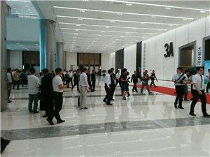外国客商步入展馆