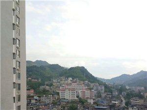 闹市区学区房精装一房投资过度首选高楼层视野好