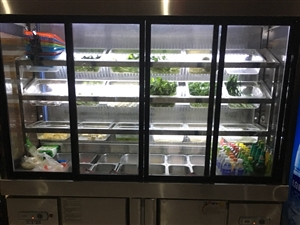 [转卖]麻辣烫点菜柜商用蔬菜保鲜柜冒菜串串冷冻选菜冷柜,另有汤面炉、猛火灶、消毒柜等小吃店全套设备。