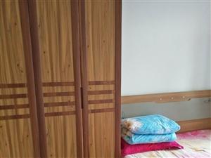 上海花园顶楼三阳50平6500元包取暖,不讲价