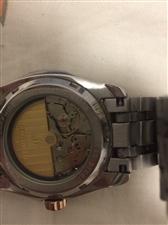 德国手表一枚,9.9新,买来一年,原价2800元,机械表,进口机芯。不锈钢表带。很新。正规商场购买。