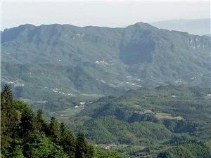建议�k王山重新定位,将�k王山镇辖区境内的原两龙乡与�k王山进行综合规划。