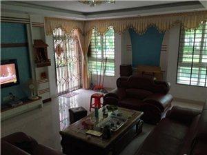 世纪豪庭4室2厅2卫120万元