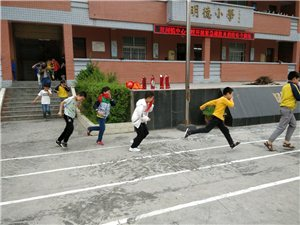 双河镇中心学校:安全警钟长鸣演练常抓不懈