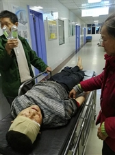 发生时间2018年5月26城口县咸宜镇李坪村1组社长跑到刘恒太家中把刘恒太打成重伤