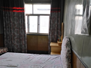 政法小区3室1厅1卫1000元/月