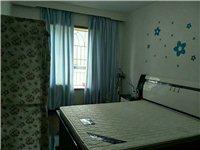 街心花园148平米精装4室2厅2卫82万元