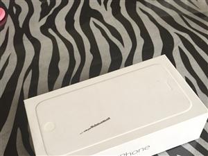 由于换手机,自用苹果6,16g国行转让,配件齐全,无拆修无进水,价格可以小刀。