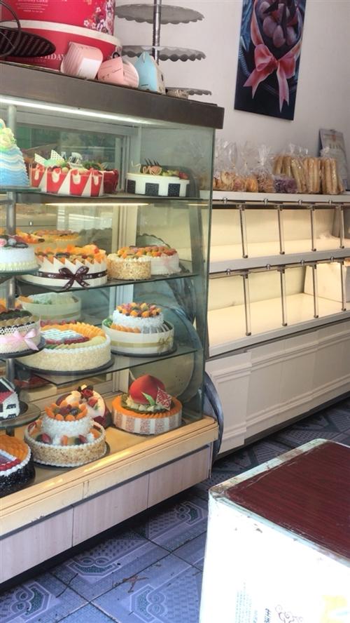 烤箱2个+双门发酵箱+和面机+奶油机+打蛋器恒联B20+面包柜2个+格力空调大3匹+冰柜2个(300...