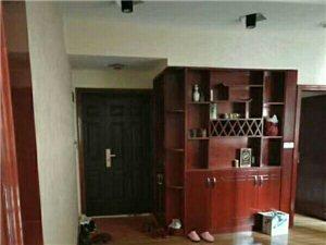 巴蜀花园精装修房4室1厅1卫68万元