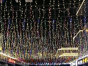中泉首府,武圣殿街啤酒音乐节。