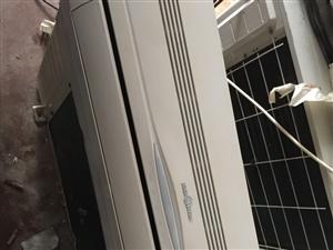 出售一台美的35九新空调,包安装,包售后,有需要的联系我,