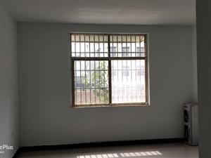 电视台3室1厅1卫1200元/月