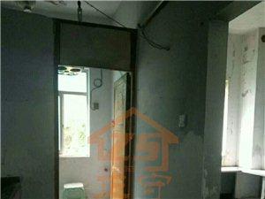 五金公司住房出售158�O3室2厅2卫毛坯房44万元