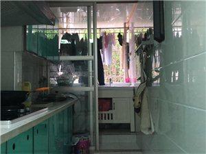 滨江国际精装3室2厅2卫119�O93万元