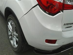 停车位上被撞