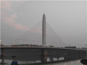 【彩虹桥】一个字美。