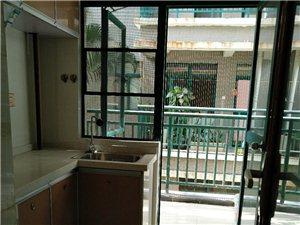 水和园2室2厅新装2000元/月