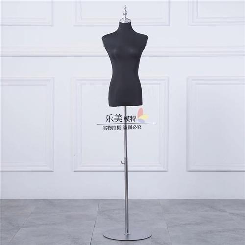 有服装模特,无痕衣架,内衣架处理,给钱就卖,有需要的尽快联系我哦18993798381