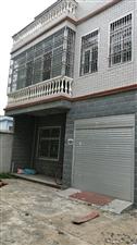 九龙东路三间三层别墅5室2厅2卫150万元