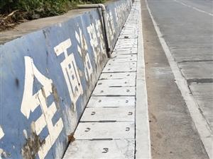 琼海市公路局、琼海市安监局重视先锋城至联先高架试验车桥下两侧涵洞的安全建设工作笔者