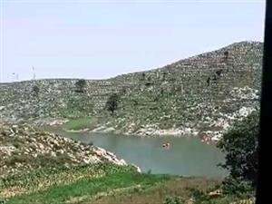 西戌符山水库,7月5日下午有两个男孩游泳溺水身亡,正在打捞,偏店赵峪村,一个20岁,一个17岁。家长
