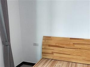 黄龙洞1室1厅1卫780元/月