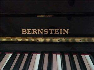二手钢琴出售,9成新