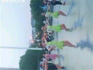这是啥广场舞?好学吗?