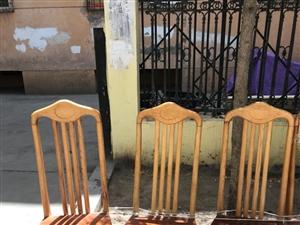 6把富康名牌椅子,九九新只用了一个星期,全市最低价,是开班开课开饭店人的首选,超花算!晚了就不卖椅异...