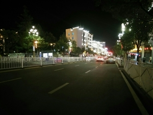 镇雄南大街夜景……第一视角看镇雄