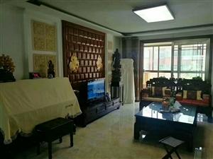 凤凰山庄4楼精装3室带车库证满2年可按揭