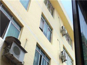 建�O街,�F�Y路口,上刁二巷3室1�d1�l400元/月