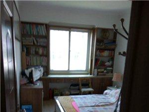房屋出售位于白�y九中斜�γ婀ど叹旨�僭河幸惶�墒��d住房和一�g��焱��r出售。住房:面�e94平方米