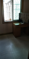 龙湖电力公司旁4室2厅3卫155万元