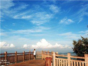 深圳羊台山野营晨光风景,感谢欣赏!今天早上天空云彩美丽天蓝蓝,云
