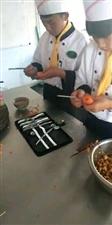 学厨师学面点就到镇雄厨师培训中心咨询电话15012291087微信同号