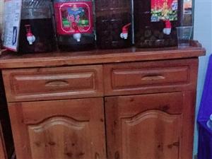 实木柜子一共有三个需要的联系200元质量好十年二十年用不坏15586438776