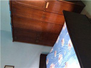 园丁小区4室2厅2卫32.2万元