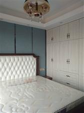 皇家铭邸3室2厅2卫125万元