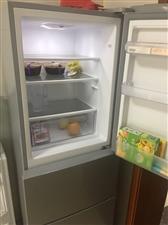 出售冰箱205升,9.5成新,没怎么用,房子不租了,冰箱不用了。价格可商议,诚意买者请拨打18518...