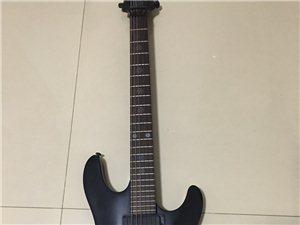出售印尼产电吉他一把,带多功能合成电吉他效果器,吉他手感效果还很好,拿来自己练习或演奏都不错。新买的...