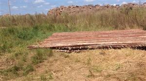 出售架管 扣件铁跳板 30余吨  地址在林甸县育围场育围场 联系电话??18745419888