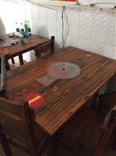 圆桌十套,方桌两套,燃气灶一台,冰柜一台,切菜台一张!低价处理