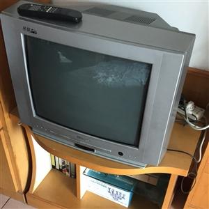 海信电视58*45cm,送电视柜实木哦