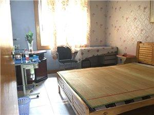 348家属院3室2厅1卫1300元/月