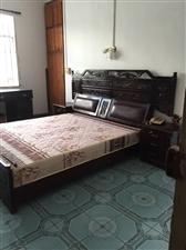 环南市场3室2厅2卫900元/月
