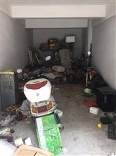 龙苑小区1室1厅车库16.8万元可做店面