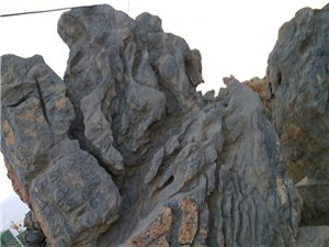 黄昏看果岭尽在石山中