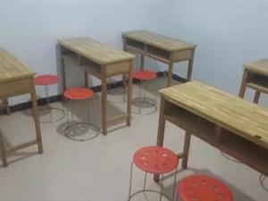 双人课桌出租,带凳子。